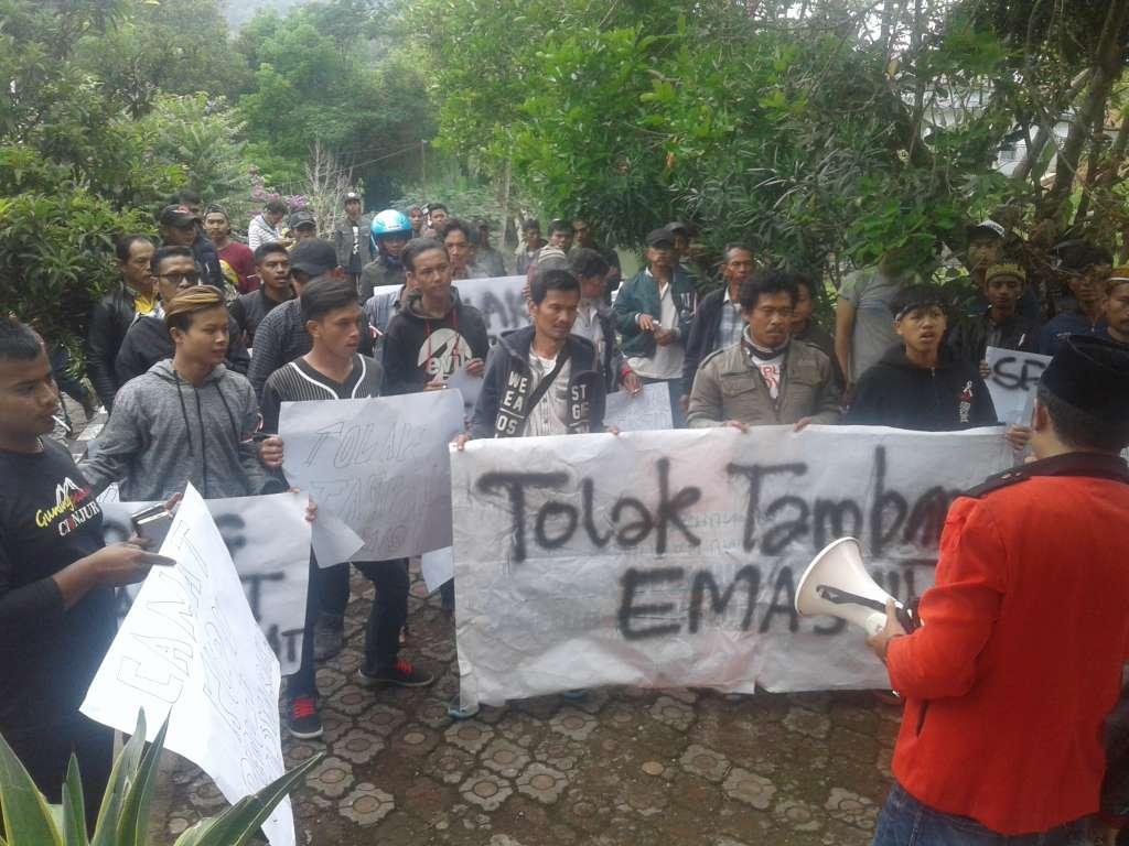 SJJI Ekploitasi Mas Akan Jadi Bencana, Camat Mengizinkan di Tuntut Mundur