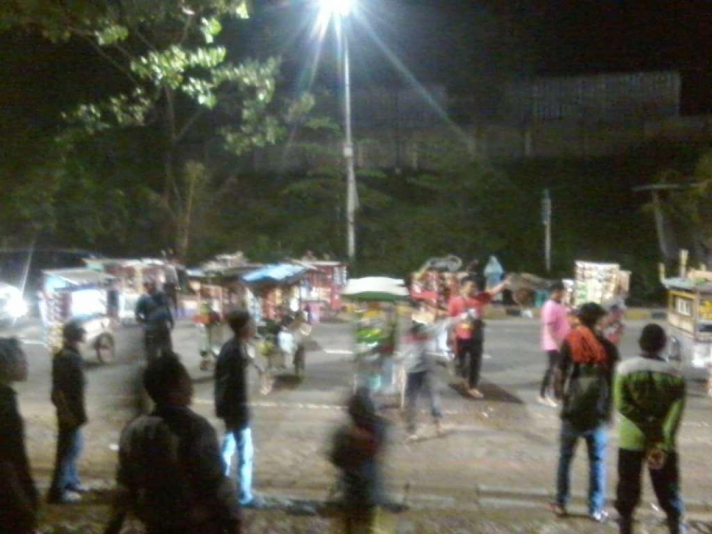 Ruas Jalan Cianjur-Bandung Lumpuh