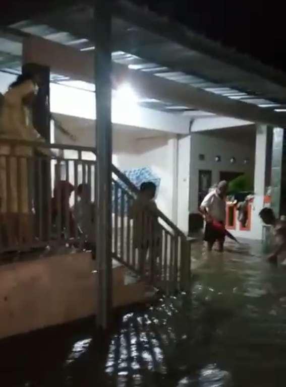 Akibat Gagalnya Pembangunan Pasar Ciranjang, Mengakibatkan Permukiman Warga Banjir