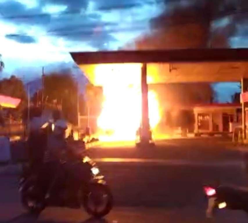 Polisi Sebut : Mobil Cerry Terbakar Di Areal SPBU, Kelalaian Pengemudi
