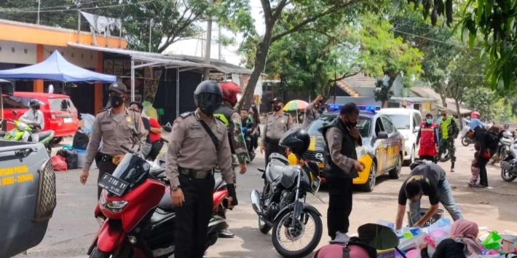Kegiatan CFD di Jln Terminal Rawabango, Dibubarkan Petugas Polisi