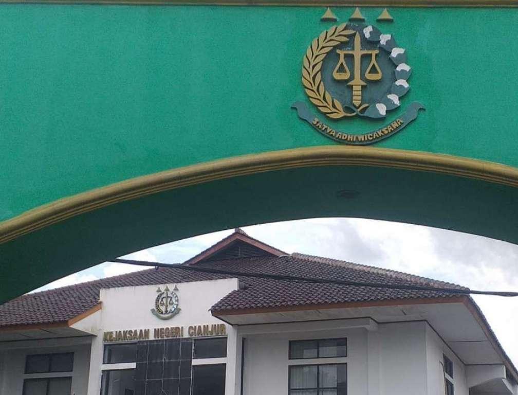 Diduga Lakukan Penyelewengan DD, Oknum Kades Gudang Ditahan Kejari Cianjur