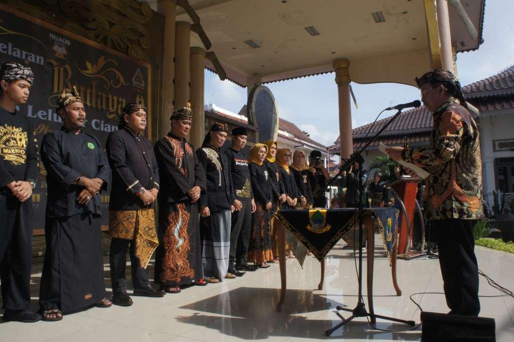 Plt Bupati Lantik Pengurus Himpunan Warga Cianjur (HWC)