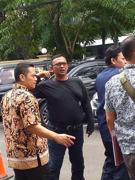 Sidang Perdana Bupati Cianjur Nonaktif Irvan Rivano Muchtar Diundur Selama Lima Jam