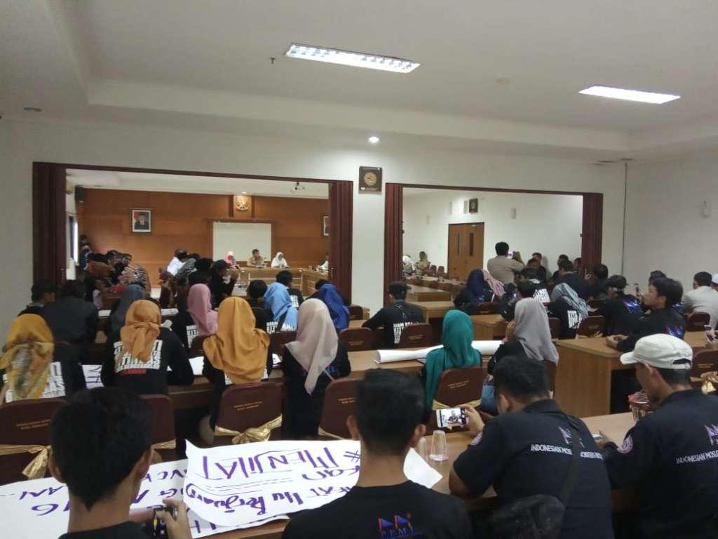 """""""H -1 MayDay 2019"""" Buruh Karyawan PT Pou Yuen Indonesia Berunjukrasa"""