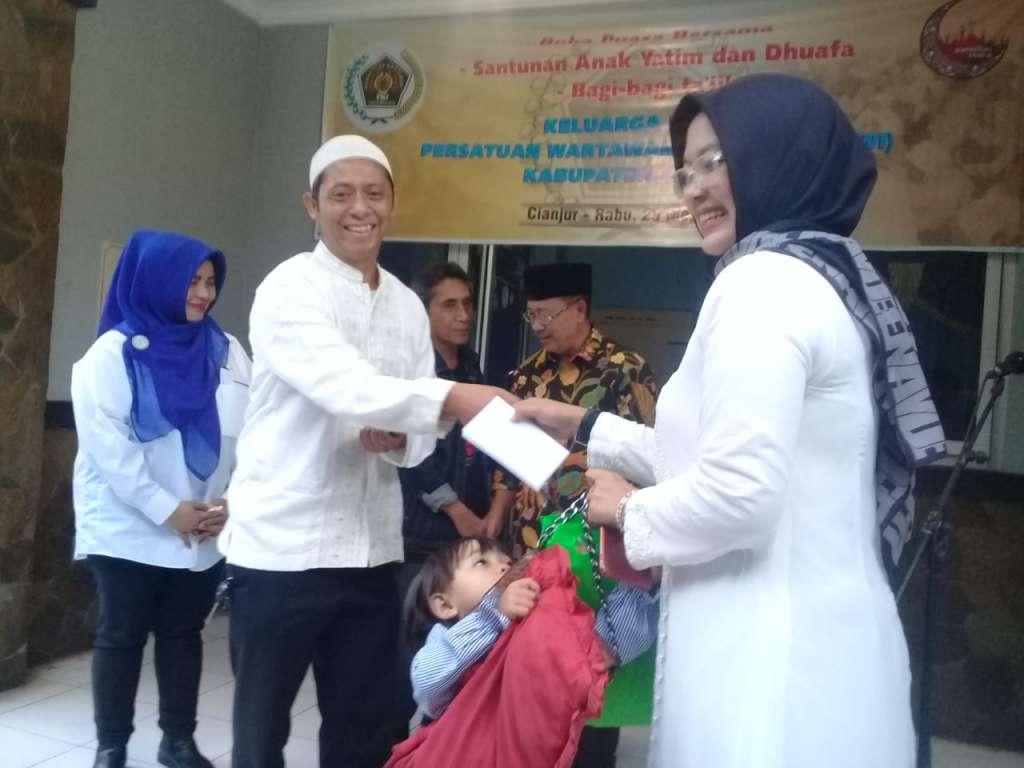 PWI Cianjur Gelar Bukber Bareng Pewarta, di Warnai Santunan Kepada Anak Yatim dan Kaum Dhuafa
