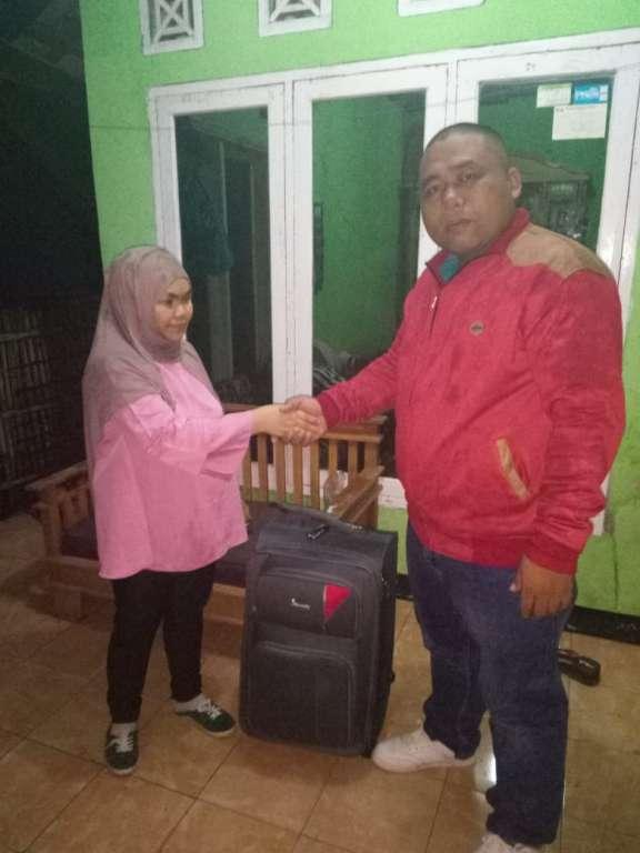 """TKW Tak Bisa Pulang Karena Sakit """"Lsm FPMI"""" Jemput Jubaedah Pulang Kampung Halaman"""