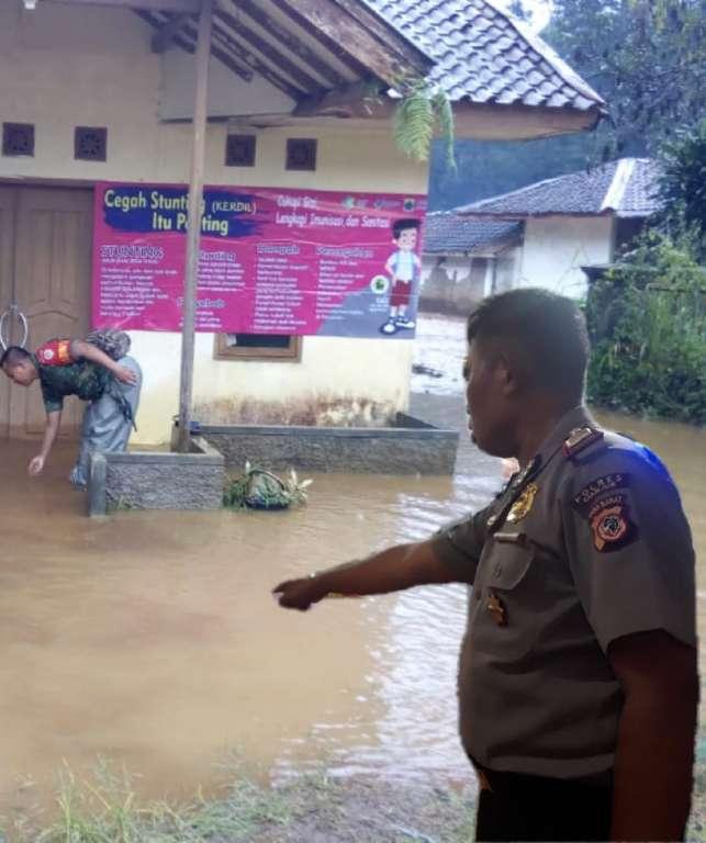 Air Sungai Meluap, 7 Unit Rumah Warga Terancam Bahaya Akibat Banjir