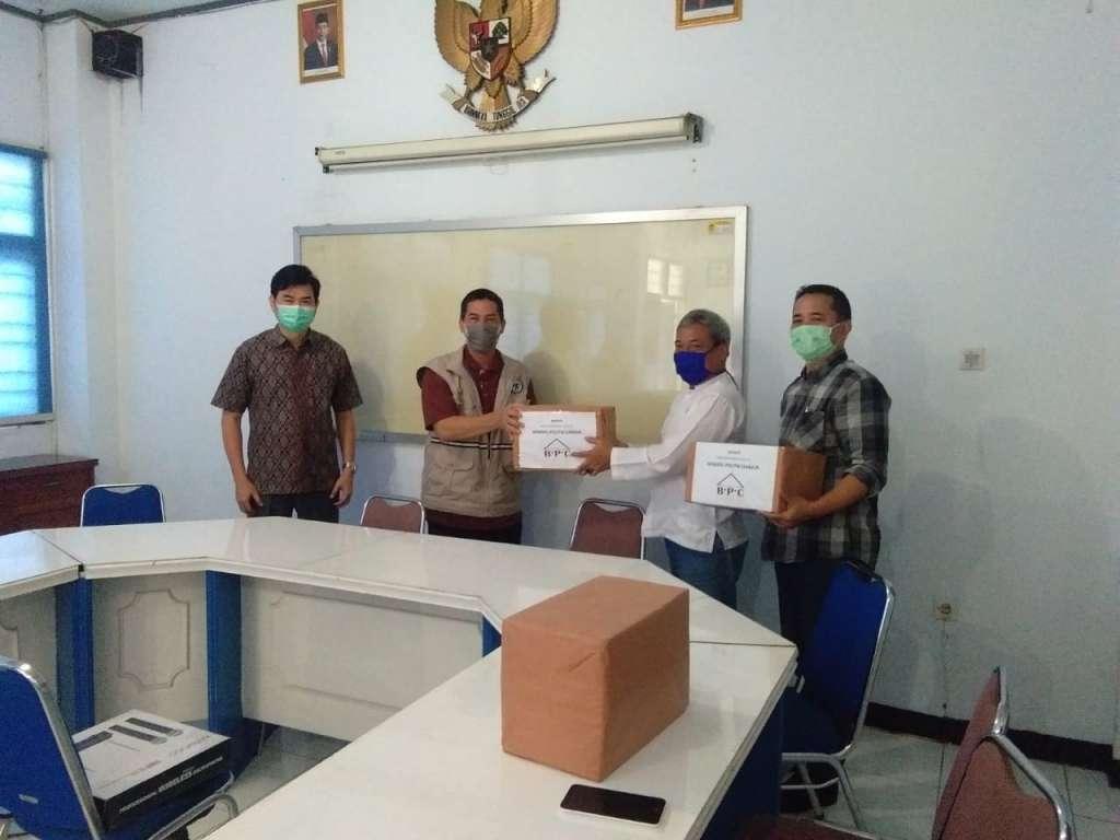 Peduli Penanganan Covid-19, BPC Serahkan Bantuan Masker