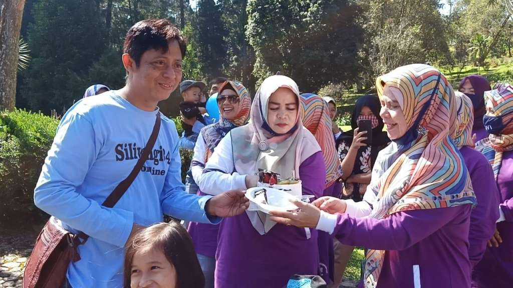Hj Pipih Fakhriyas Yasin, Juara 1 Lomba Karya Tulis Tingkat Nasional