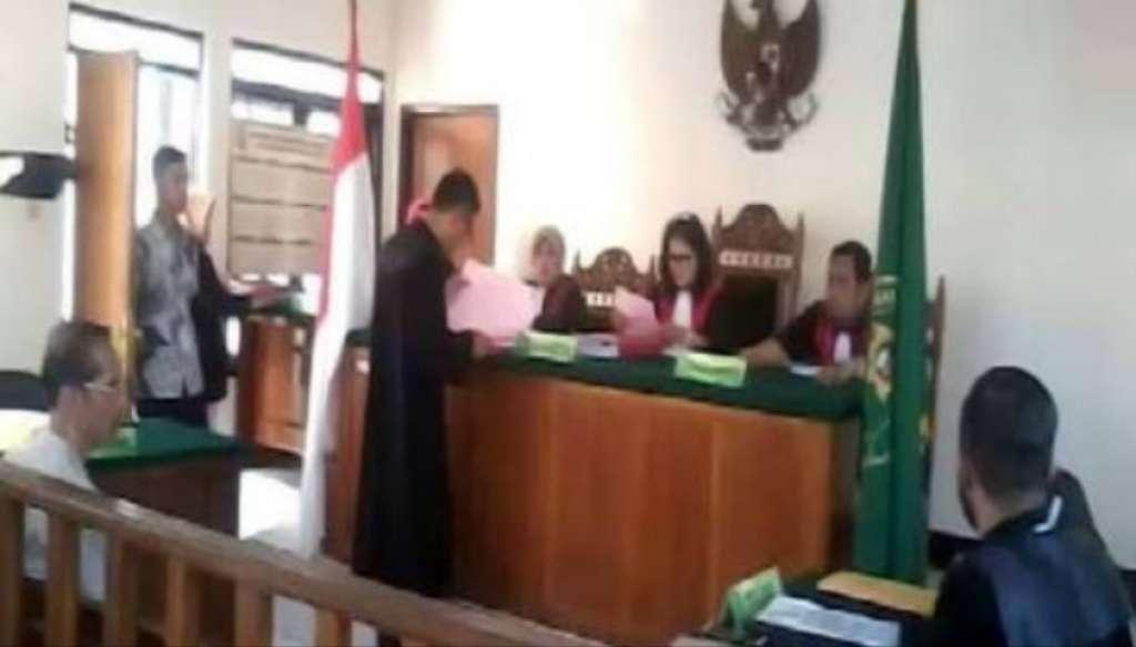Jaksa Tuntut ML 2 Tahun 6 Bulan