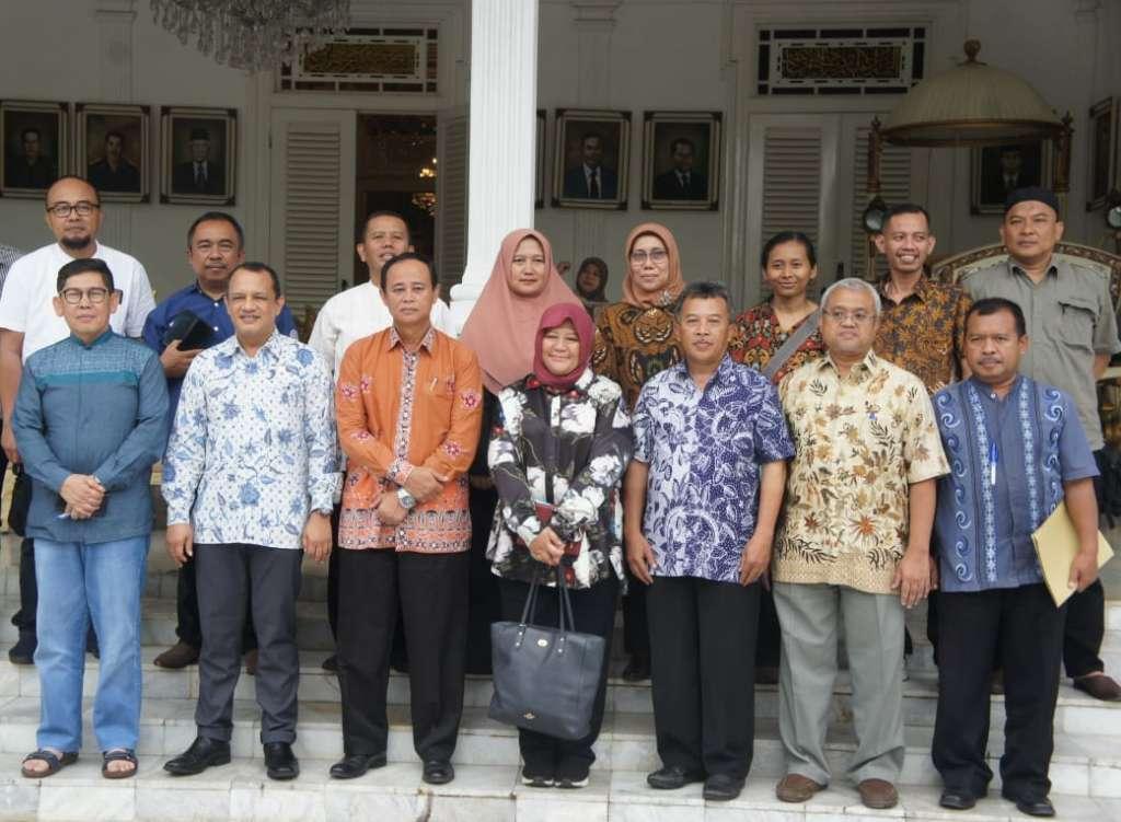 Anggota DPR RI  Budhy Setiawan Bawa Ahli Nuklir ke Pendopo Cianjur